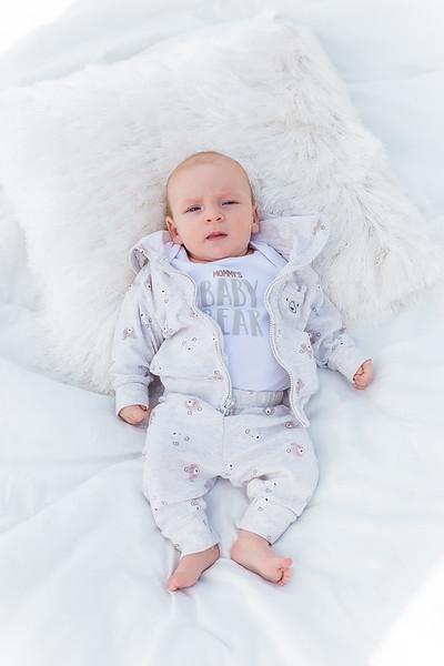 Sunday_Stills-Lennox_Baby_Photos-0259-Edit.jpg