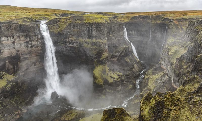 Waterfall Háifoss
