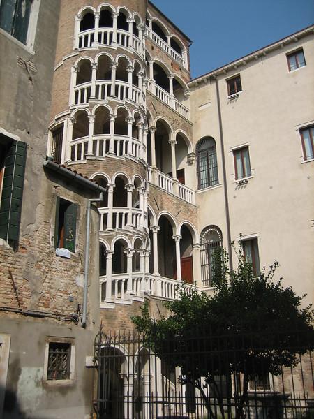 7_27 23 Palazzo Venice Contarini del Bovolo.JPG
