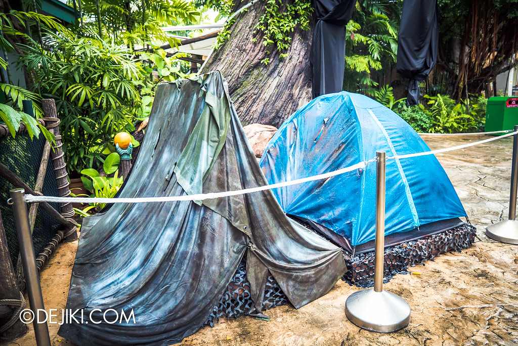 Universal Studios Singapore - Halloween Horror Nights 6 Before Dark Day Photo Report 2 - Suicide Forest tents