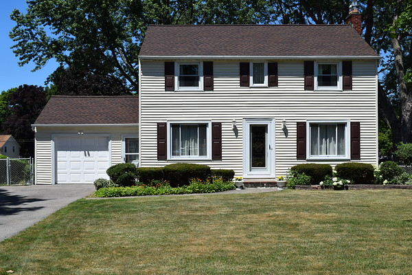 1028 Latta Rd, Rochester, NY 14612