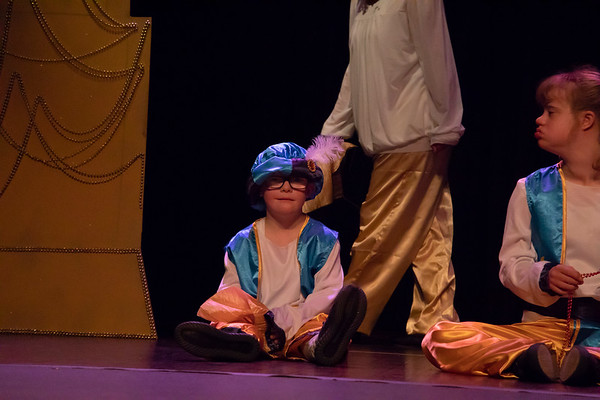 Super Stars in Aladdin Kids
