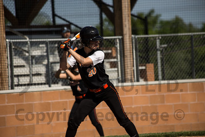 SoftballAction_051714
