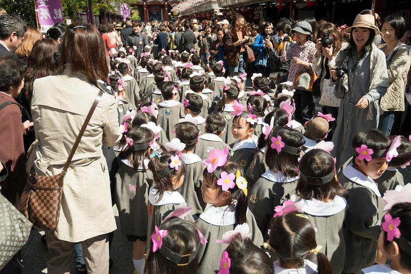 Hana-Matsuri childrens parade in Nakamise-Dōri, Asakusa