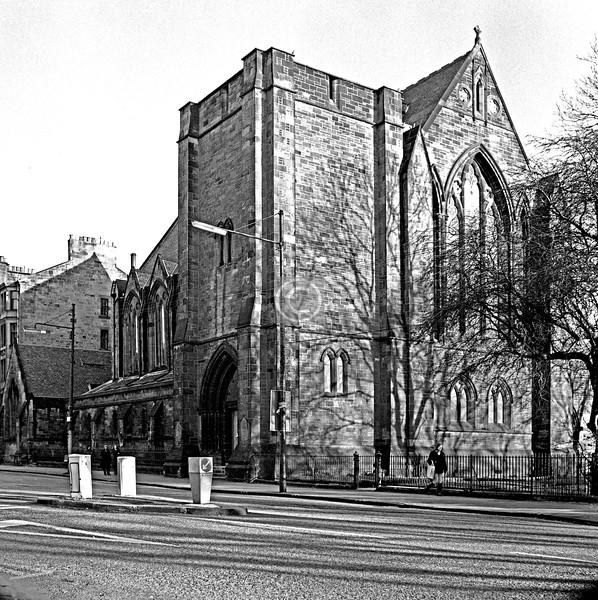 University Av.  Gilmorehill U F Church (J.Sellars 1878)     January 1976
