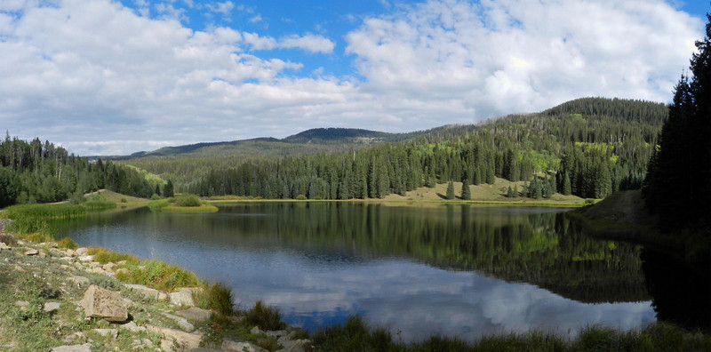 Henderson Lake pano2.jpg