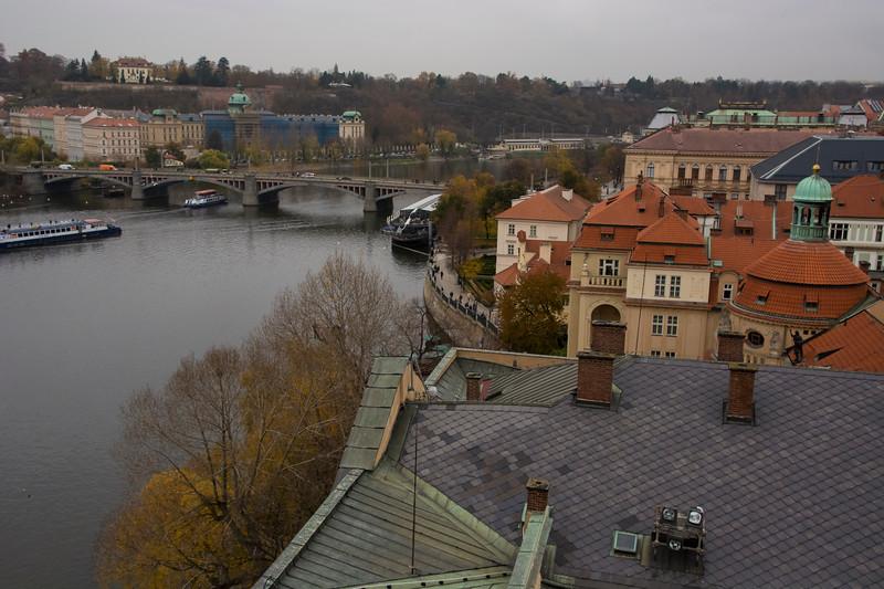 ממגדל מעל גשר קרל3.jpg