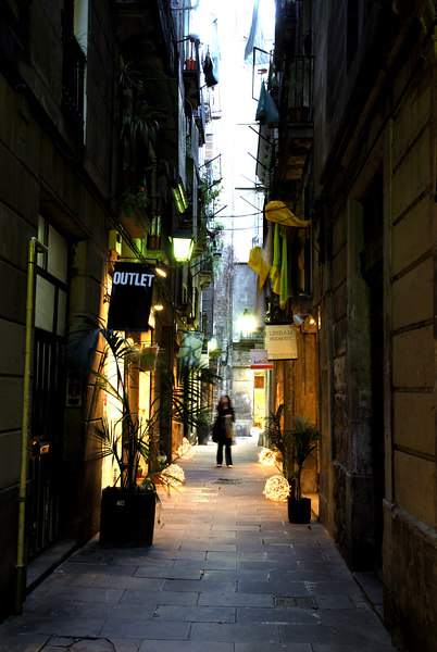 The Barcelona Barri Gotic area is also known as the Gothic Quarter and is the area in which the old town of Barcelona is situated. Picasso lived and worked in Barri Gotic from 1895 to 1904.