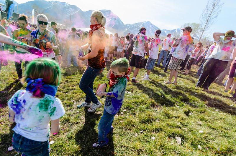 Festival-of-colors-20140329-031.jpg