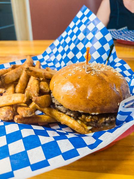 Jonny's Cookhouse sweet marie burger-3.jpg