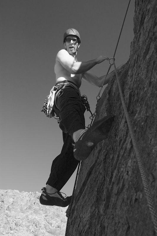 04_10_31 climbing New Jack City NIKON D70 0110.jpg