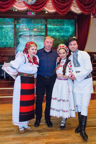Cantec, joc si voie buna la Bucharest Restaurant cu Alexandru Bradatan si Vladuta Lupau - April 17, 2015