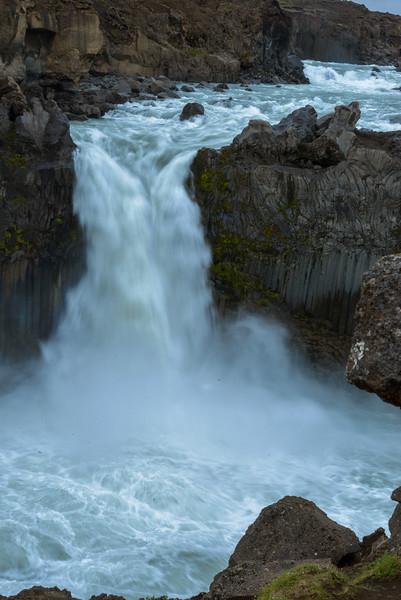 ICELAND-ALDEYJARFOSS-142.jpg