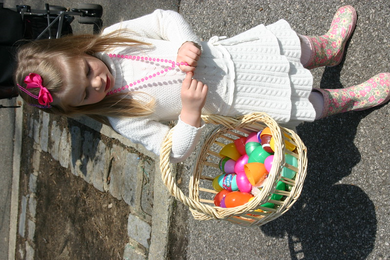 06.04.15 Easter Egg Hunt092.JPG