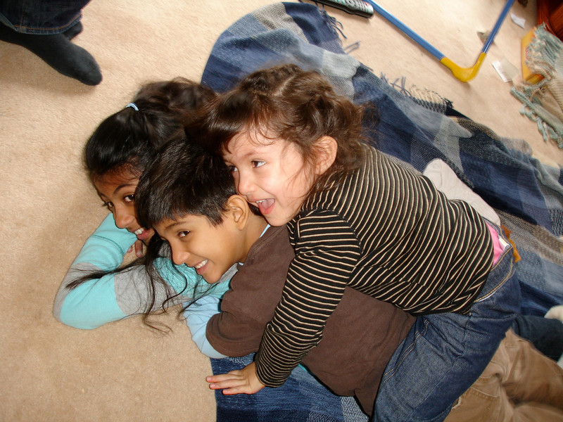 swati and kids in London 2008 143.jpg