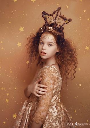Anna Festive