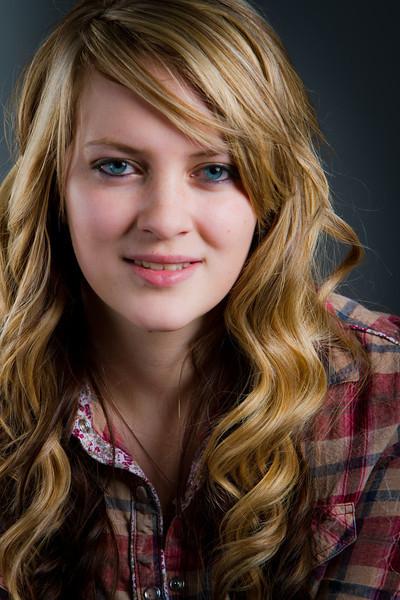 Brylee - Senior picture- ldsphotographer-6.jpg