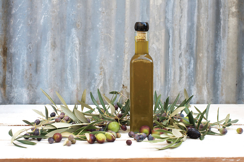 olive_oil_w_olives_smug.jpg