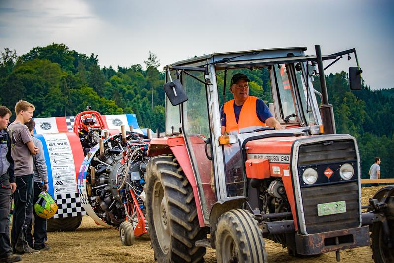 Tractor Pulling 2015-02404.jpg