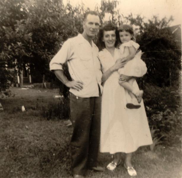 1952_grandpa_ma_mom_lokey.jpg