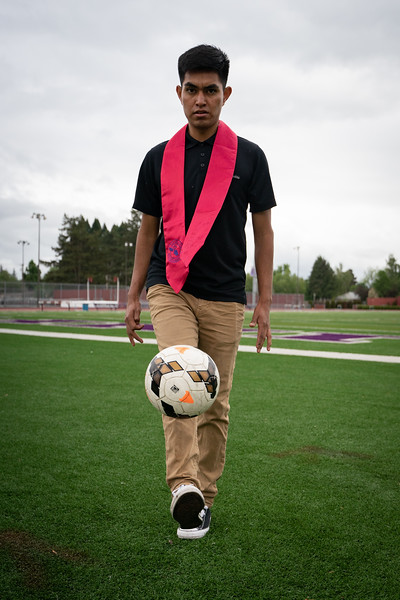 1905_15_efrain_senior_pictures-03664.jpg