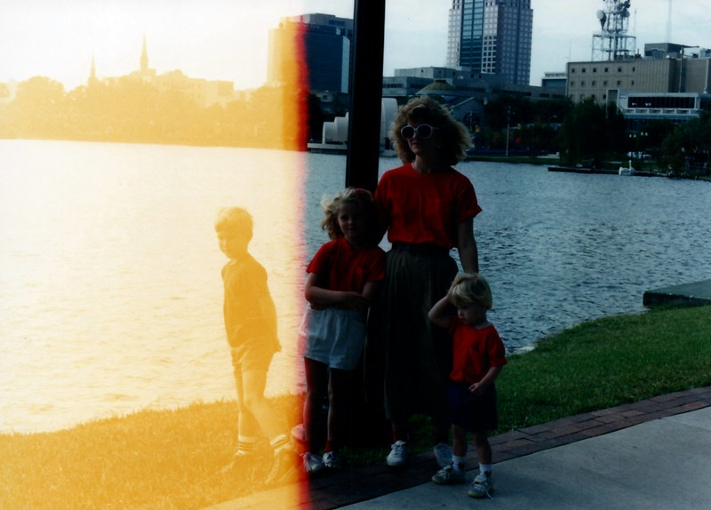 1989_December_Christmas_picture_sessions_in_orlando_0008_a.jpg