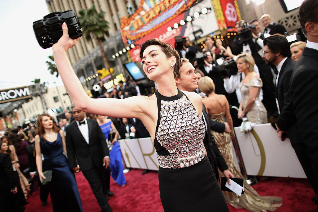 . Actress Anne Hathaway attends the Oscars held at Hollywood & Highland Center on March 2, 2014 in Hollywood, California.  (Photo by Christopher Polk/Getty Images)