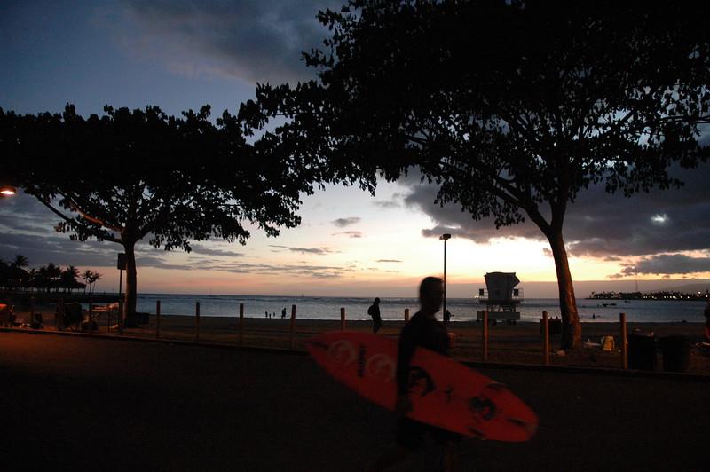 Hawaii - Ala Moana Beach Sunset-208.JPG