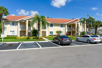 7797 Esmeralda Way #202, Naples, Fl.