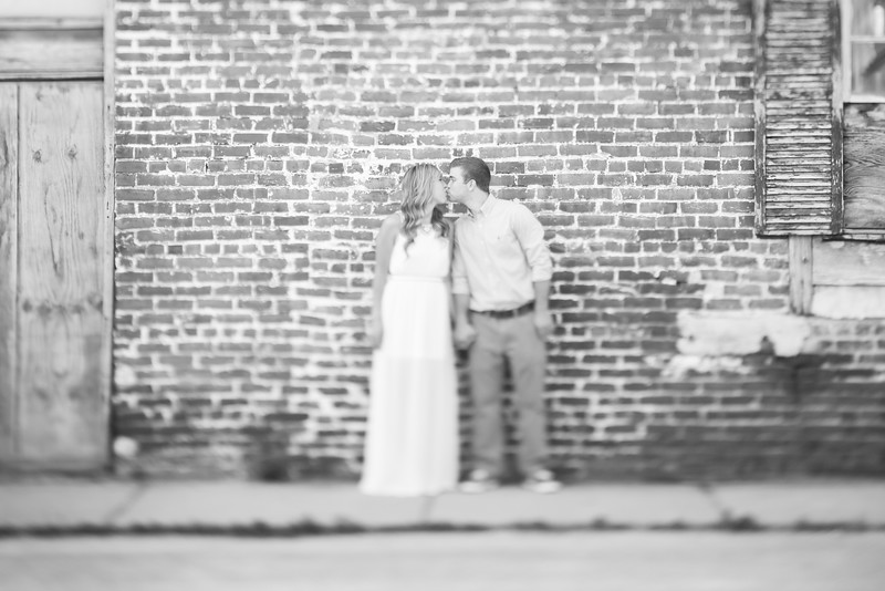 015_Martin+Victoria_EngagementBW.jpg