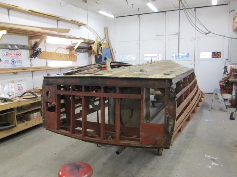 Transom planks removed.