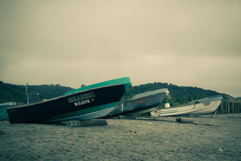 Canoa boats.jpg