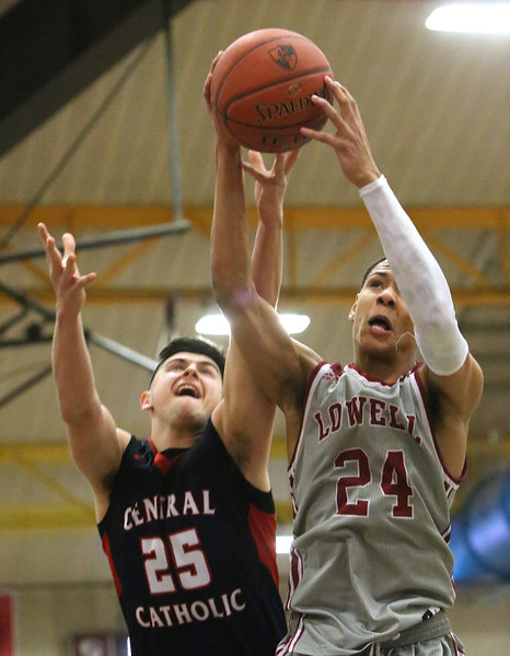 Lowell vs Central Catholic basketball 021519