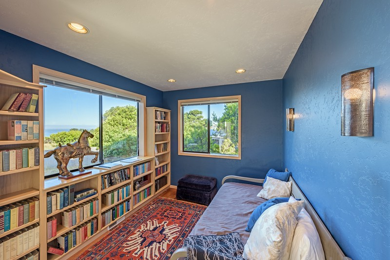 Guest Room/Library