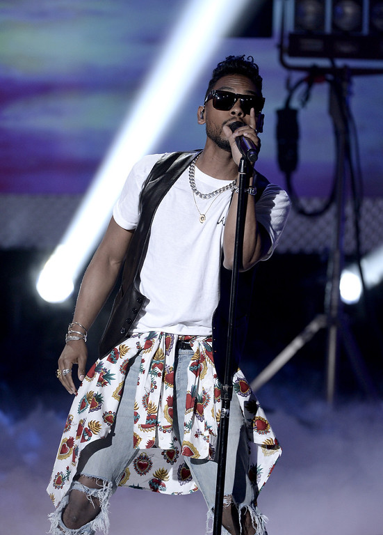 . Recording Artist Miguel performs onstage during CW Network\'s 2013 Young Hollywood Awards presented by Crest 3D White and SodaStream held at The Broad Stage on August 1, 2013 in Santa Monica, California.  (Photo by Kevin Winter/Getty Images for PMC)