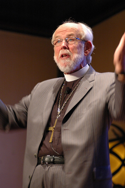 Presiding Bishop Mark S. Hanson answers a question