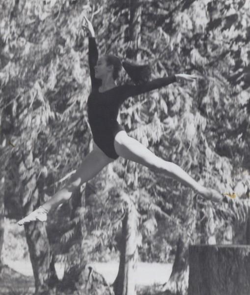 Dance_1874.jpg