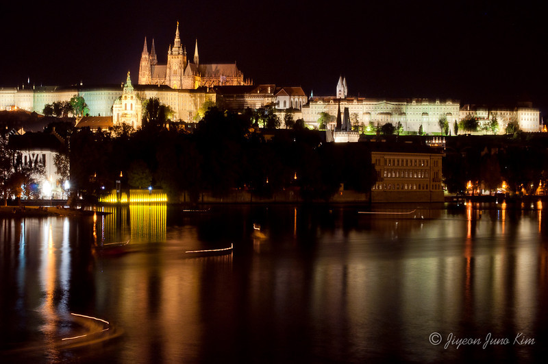 czech-republic-prague-night-view.jpg