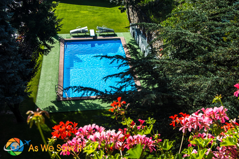 Pool at Rutllan Hotel