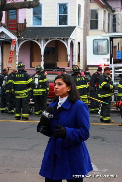 Accelerant-sniffing dogs called to post-fire scene on Howard Avenue in New Haven