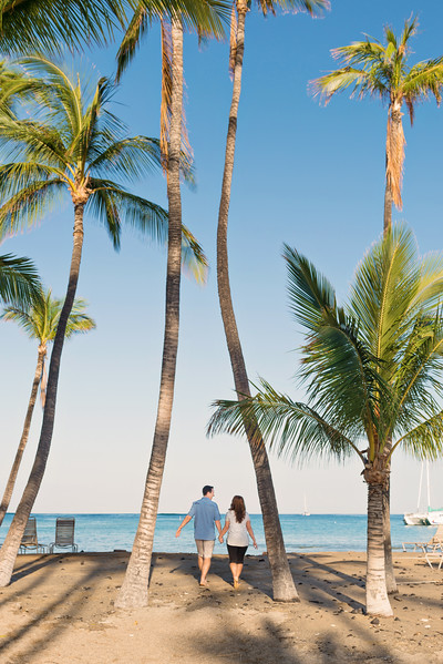 2015_Hawaii_WalkingTowardOcean.jpg