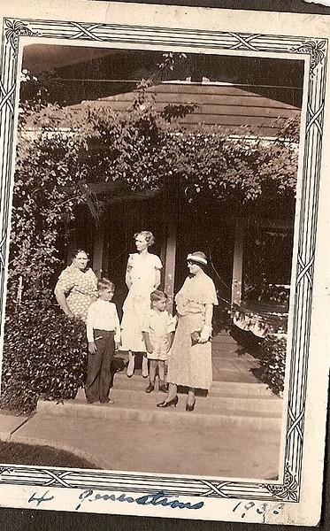 4generations 1933.jpg