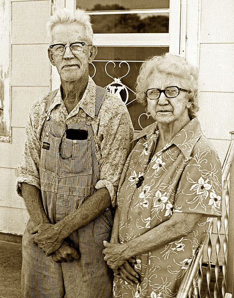Lexington Kentucky Photographer John Lynner Peterson, Classic Iowa Farmer and wife