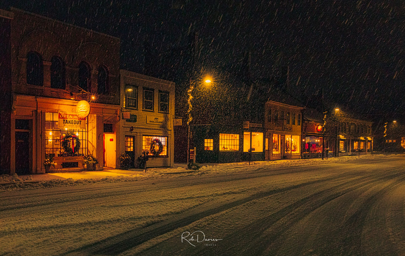 2020_12_Concord snow_evening20201205-3M3A0729_Luminar4-edit-Edit.jpg