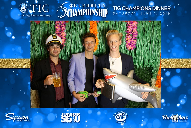 Celebrity Golf Sat Night30.jpg