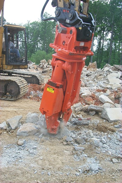NPK M20G concrete pulverizer with QA20 quick attach on Cat excavator-concrete recycling (30).JPG