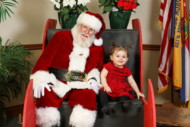 TBTP 2019 Photos with Santa-99.JPG