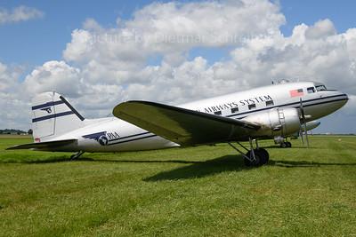 N877MG Douglas DC3