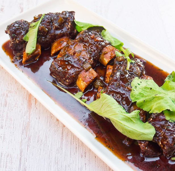 Red_wine_braised_short_ribs._Our_newest_recipe_video_is_perfect_for_this_cold_and_rainy_Sunday.__Find_it_here_httpbit.lybraisedribs.jpg