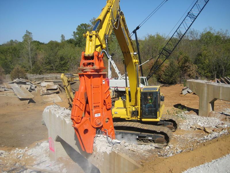 NPK M38G concrete pulverizer on Komatsu excavator-concrete recycling (1).jpg